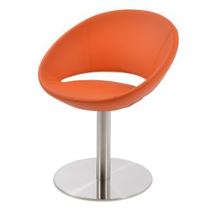 Crescent Round Swivel Chair by sohoConcept